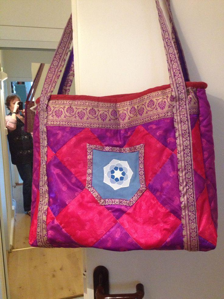 taška pro dceru - z látky na indické sárí - přední část