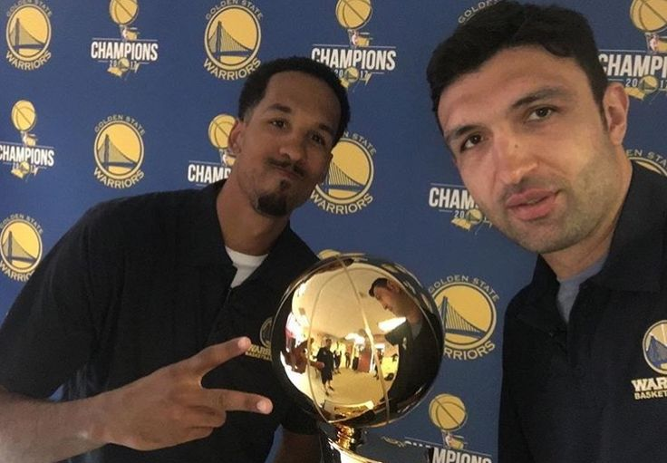 Shaun Livingston and Zaza Pachulia sign autographs on June 29th