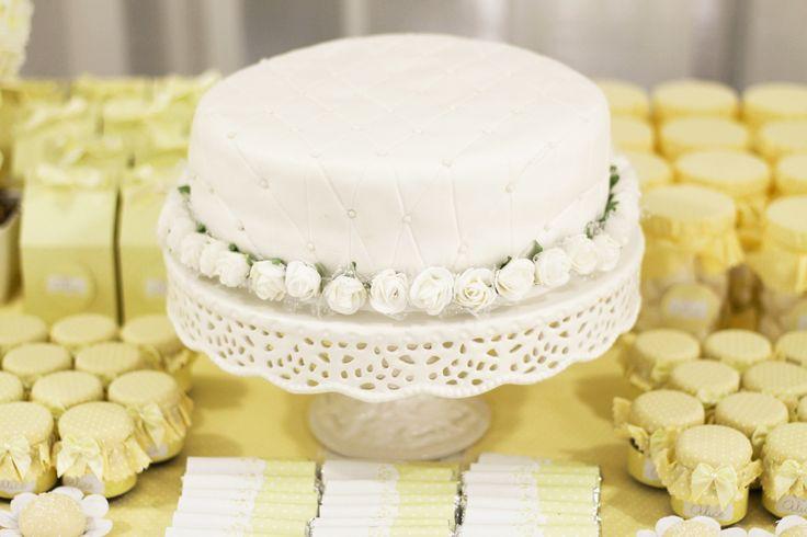 30 ideias de bolos para o batizado do bebê