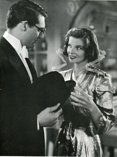 Bringing Up Baby (1938) The fun begins....suave, classy, vintage comedy romance...This is my all time favorite comedy romance of the classics....love them both....Cary is so very.....:)
