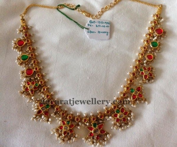 Jewellery Designs: Kundan Necklace 125 Grams