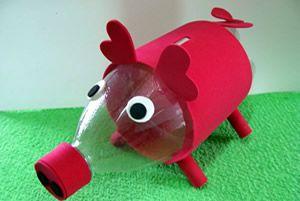 COFRE DE PORQUINHO FEITO COM GARRAFA PET #reciclagem #cofrinho #garrafapet  http://www.revistaartesanato.com.br/reciclagem/cofre-de-porquinho-feito-com-garrafa-pet/10