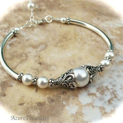 Bali Ivory Pearl Bracelet