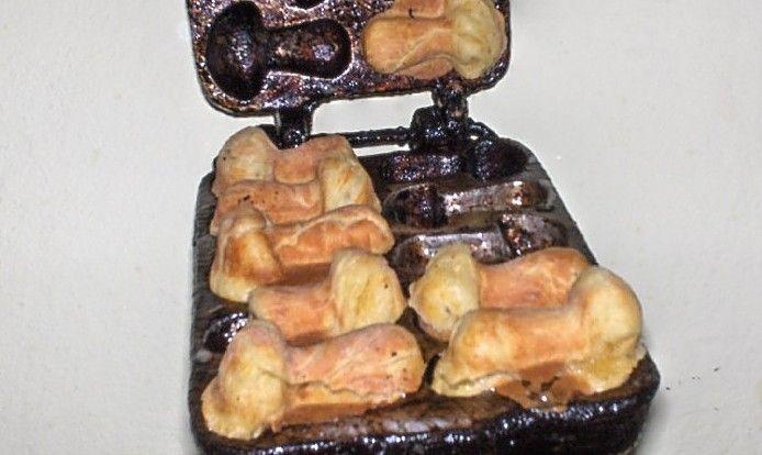 Aceasta reteta a vazut-o sotul meu la televizor...a notat-o si iata ce a iesit:  Dupa parerea mea aceste ciupercute merg si ca aperitiv, u...