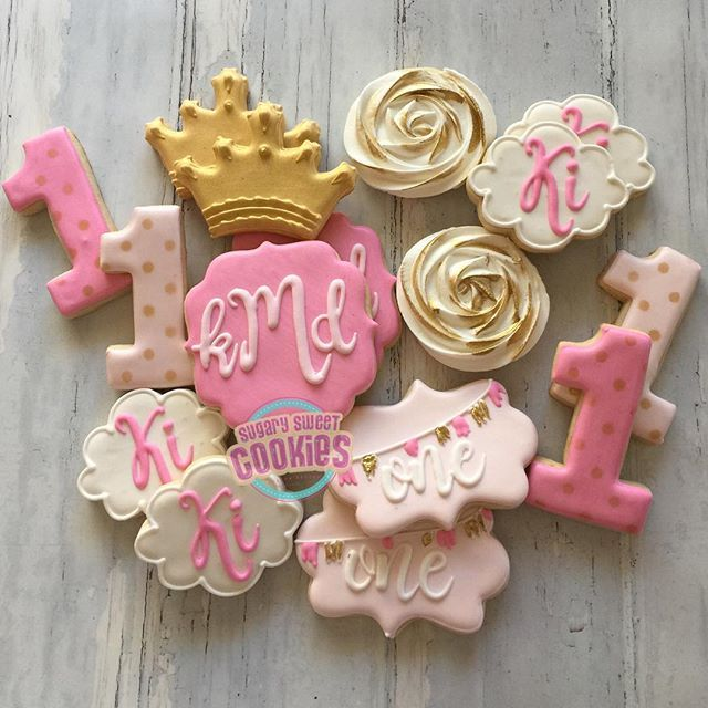 Perfect cookie ideas for a princess theme party to go along with our Tutu outfits! Love it!