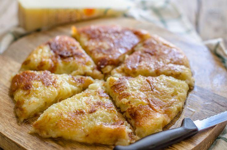 Il frico è la ricetta tradizionale della Carnia, si realizza con patate…