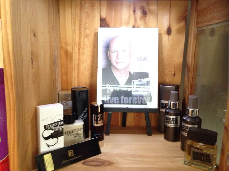 Uppställt i boutiquen  Herr parfym sortiment