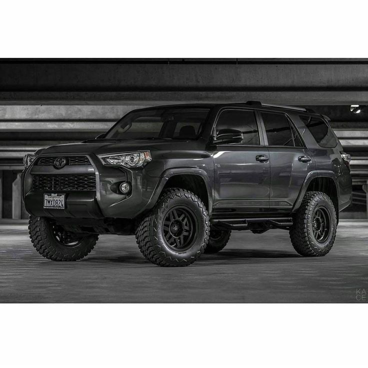 @4runnermafia в Instagram: «@kacelogik. One sexy looking 5th gen. Hashtag #4runnermafia or DM me pics. I'm most likely to see them like that . ➡️Follow these other sick pages @rorck_usa @loyaltoyota @everythingtoyotas  @fatt_shack ⬅️»