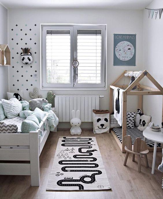 Kinderzimmer in Schwarz-Weiß mit grafischen Mustern