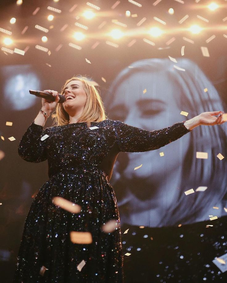 Adele performing at 'STAPLES Center', Los Angeles, CA (Aug. 20)