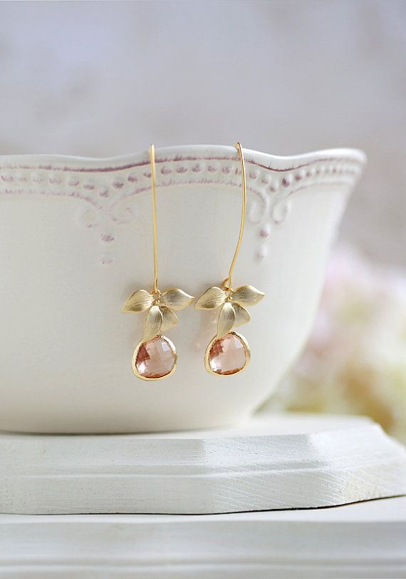 Perzik Champagne oorbellen goud orchideebloem Dangle door LeChaim