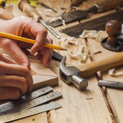 ALISON provides carpentry courses online. These free carpentry courses cover construction methods, formwork, joinery and more. Start a course today!
