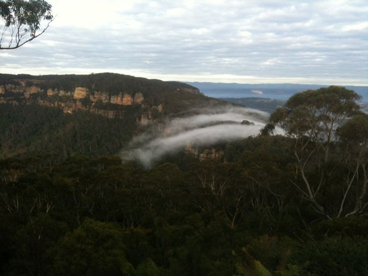 Phantom Falls make the jump from the Megalong into the Jamison Valley. Mostly sunny day, top of 16.