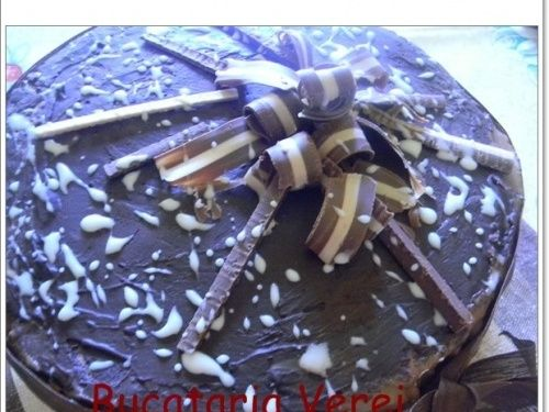 Tort de inghetata cu bezea si 3 creme - imagine 1 mare