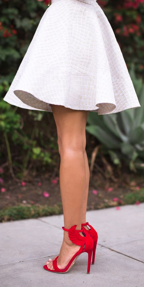 oooo I want one of these dresses! a little longer though. swing dress