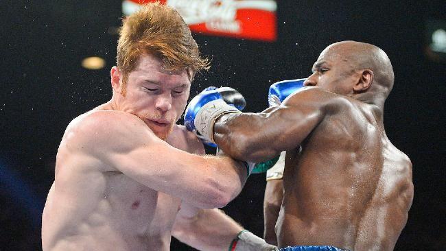 Floyd Mayweather Jr. outclasses Saul 'Canelo' Alvarez
