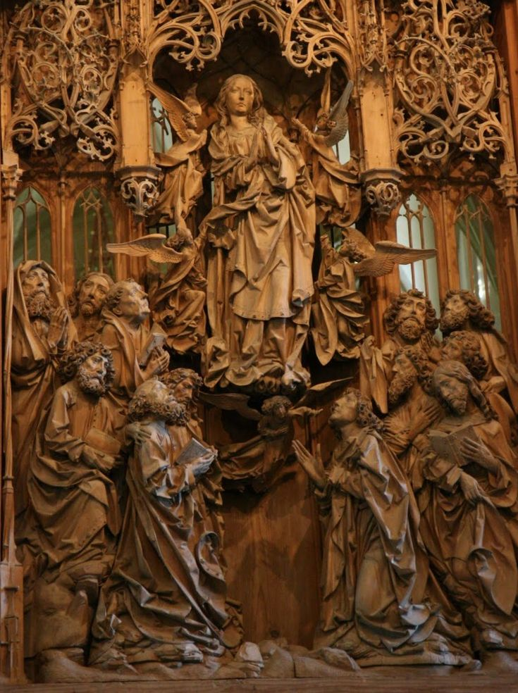 CARVED - The Carvings of Tilman Riemenschneider   Christ Bearers christbearers.wordpress.com929 × 1243Search by image Mary Altar, The Assumption of the Virgin, Herrgottskirche, Creglingen, Germany, ca. 1495-1499. Carved lindenwood,