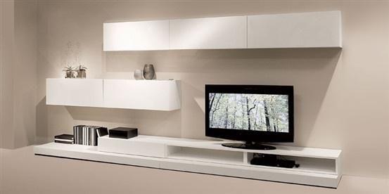 Biała szafka pod telewizor - zdjęcie w galerii pomysłów Styl