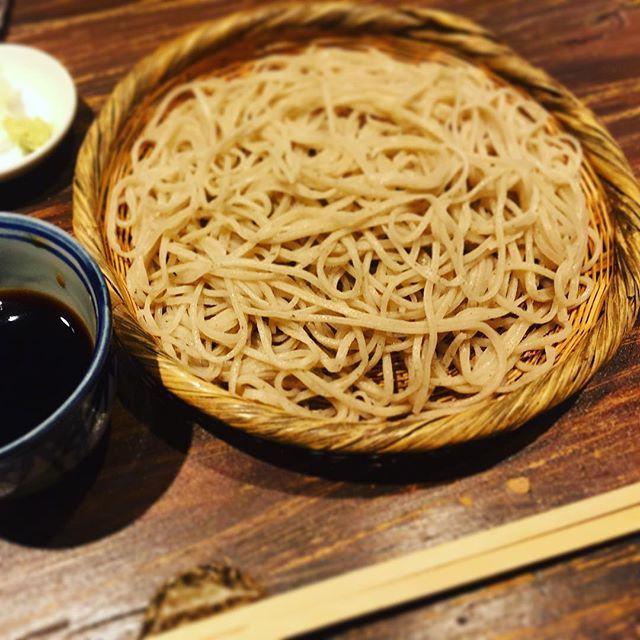"""Seiro soba"" a Japanese traditional dish. * * *  備忘録。 昨夜の同窓呑みで〆に頂いたグルメな上司お勧めのせいろ。 蕎麦職人のご主人が信州産ホシ入り粗挽きそば粉で打った絶品の一品。6人全員がおかわりするくらい美味しい蕎麦は久々に感動でした🍶 そんな感動に浸りながら土曜出勤😌 * * * #food #foodstagram #foodporn #foodpic #foodie #japanesefood #soba #washoku #yummy #yummyfood #yum #yumm #instagood #instadaily #instagram #instapic #instaphoto #instafood #instapicture #gourmet #shirokanedai #せいろ #せいろ蕎麦 #東京 #白金台  Yummery - best recipes. Follow Us! #foodporn"