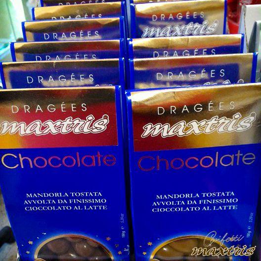 #confetti #maxtris #praline #dragées #mandorla #natale