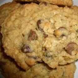Biscuits moelleux à l'avoine et aux pépites de chocolat @ qc.allrecipes.ca