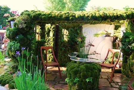 that moss table!!