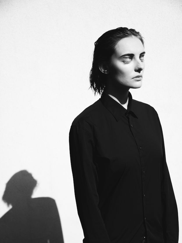 Polienne | a personal style diary: GRAPHIC LINES  |  Photography by Valerie Verlinden | Make-up by Silke Van den Broecke