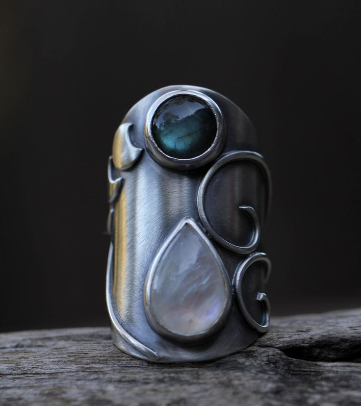 Ring | SpiralStone Designs. Moonstone, labradorite and sterling silver. I adore this.