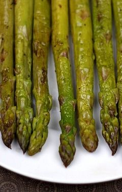 Roasted Asparagus with Balsamic Vinegar Recipe on twopeasandtheirpod.com Great healthy side dish and perfect for spring!