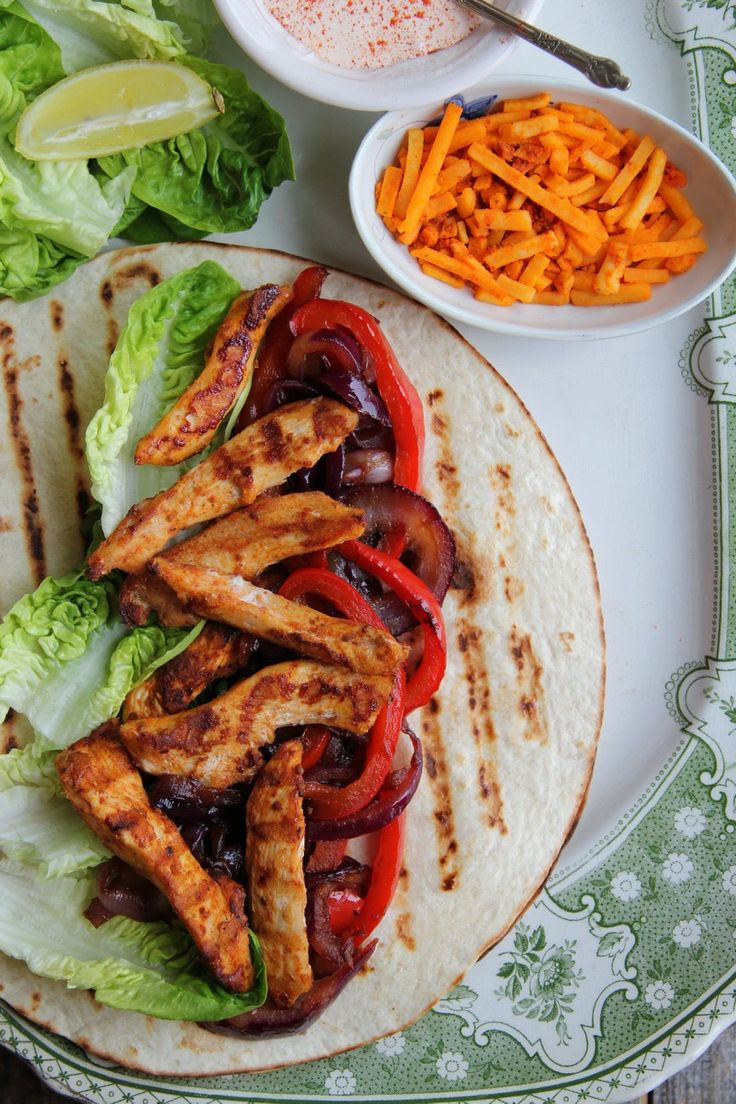 Chicken Fajitas with Caramelised Red Onion & Peppers