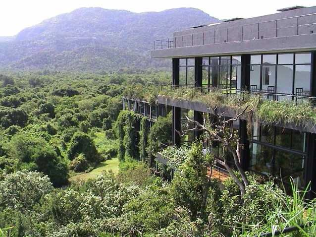 1000 images about geoffrey bawa on pinterest for Kandalama hotel sri lanka