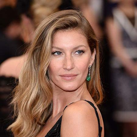 Gisele Bundchen wiki, affair, married, Lesbian with age, height