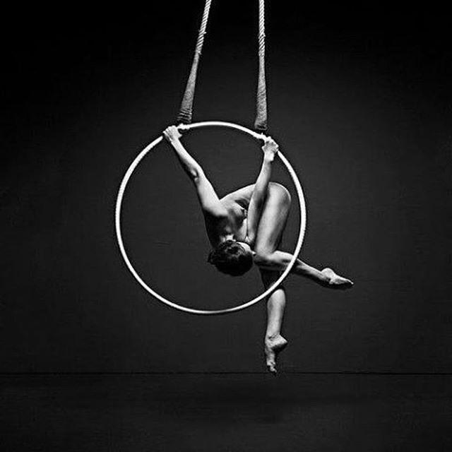 Just a little NU #poledance #pole #polesport #poledancer #poleflow #dance #poletrick #poleart #aerialsilks #aerialhoop #aerials #splits #stretching #пилон #танецнапилоне #танец #polefitness #воздушныеполотна #воздушноекольцо #воздушнаягимнастика #polemotivation #polefit #гибкость #пластика #polestudio #полдэнс #poleathlete #polecombo #polelove #polelife