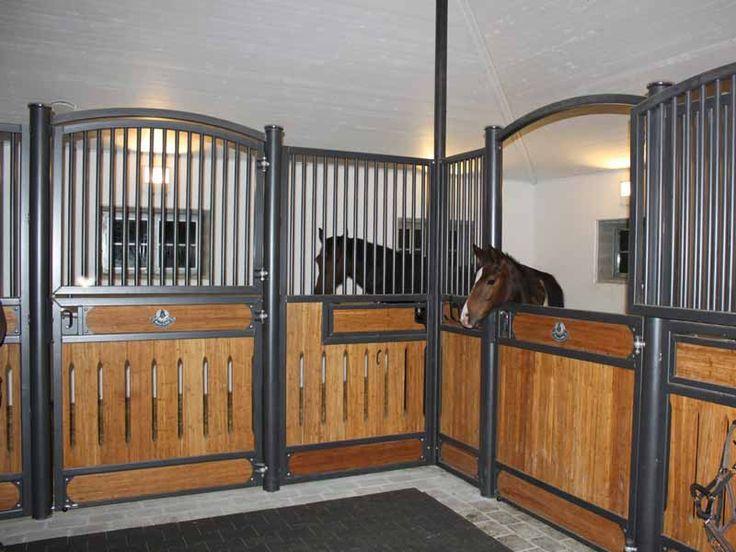 front wall Hannover #stables #pferdeboxen | Horse stalls ...