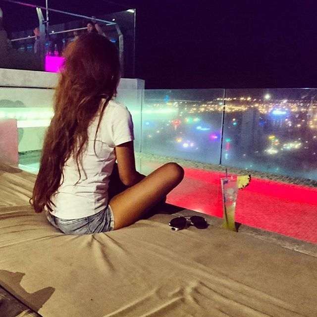 【rii._.rii】さんのInstagramをピンしています。 《今までの写真全部あげなおし(;o;) #ダナン#旅行#trip#ホテルのプール#サーフィン#波乗り女子#surfing#海#sea#surfgirl#波#wave #水着#日焼け#お気に入りの一枚#photo #summer#beach#beachlife#beachgirl#summergirl#ビキニ生活#ビキニ#サーファーガール#ビーチガール#まだまだ夏 #like4like#instagood#instalike#follow4follow》
