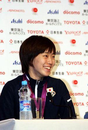 初めてのオリンピック出場で銀メダルを獲得した石川佳純選手