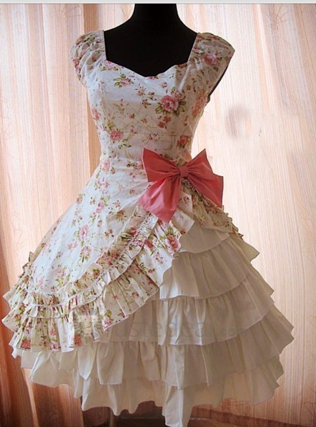375 best FRILLY GIRL images on Pinterest | Lace, Party fashion and ...