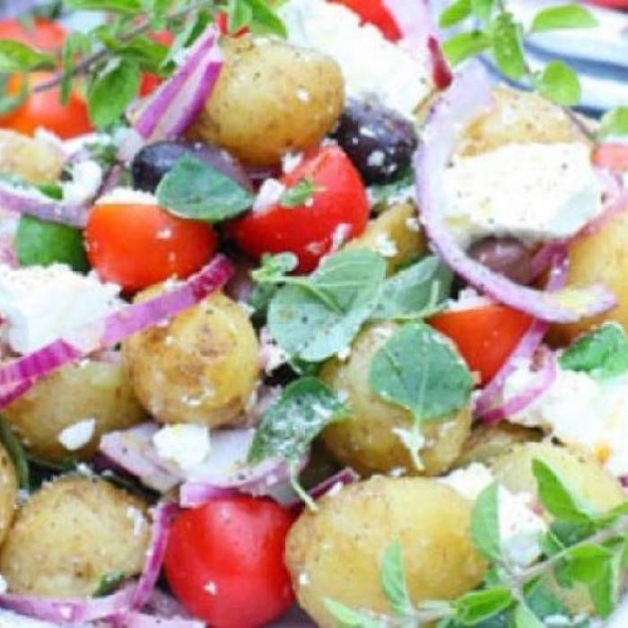 Grekisk sallad med färskpotatis - Mitt kök