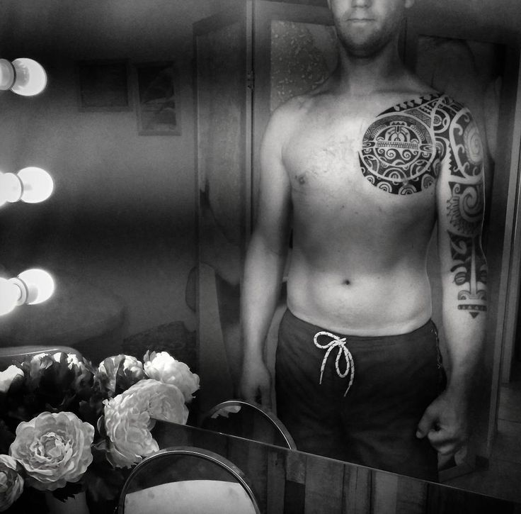 Процесс. #татуполинезия #полинезия #татуспб #tattoo #татумастераспб #polinesiantattoo #blackworkers #polinesian #татустудия #полинезияпитер #ink #inked #полинезийскаятатуировка #полинезиястрелы #тики #орнамент #татушка #татусолнце #татуорнамент #татумастер #polinesiantattoos #tattoo #татусалон #спбтату #tattoos #tattooed #tattooist #питертату #полинезияспб