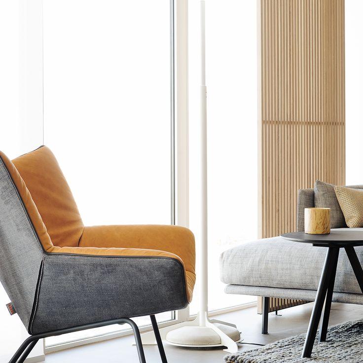 Het is bij de Label vandenBerg Gustav stoel mogelijk om de binnenzijde anders te laten bekleden dan de buitenzijde. Een combinatie van leer en stof; een combinatie van twee soorten stoffering; of een mix van 2 ledersoorten. Verkrijgbaar bij: www.houtmerk.nl