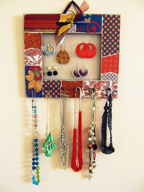 Homemade Jewelry Organizer Tutorial with Pretty Life Anonymous | Fashionable Style
