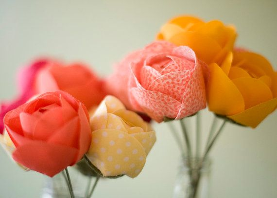 Fabric flowers - handmade & custom arrangement for home decor or wedding decor #festiveheart