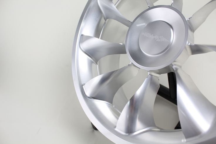Wheel which I produced with simultaneous five-axis machining!  It is machined #aluminum wheels 17 inches, from the timbers. #aluminum #automobile #car 同時五軸加工で製作したホイール! 17インチ アルミホイール 、角材からの削りだしです