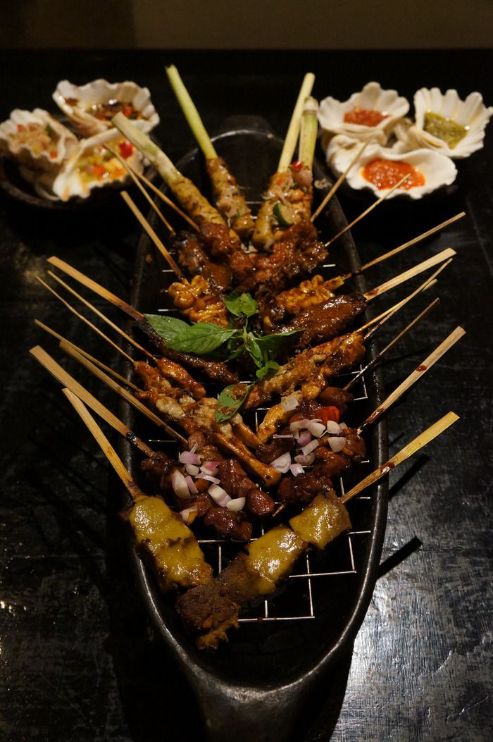 Lara Djonggrang's Pasar Sate Tugu (skewer sampler) offers up to 11 different varieties of delicious sate (skewers). Photo by Keshie Hernitaningtyas.