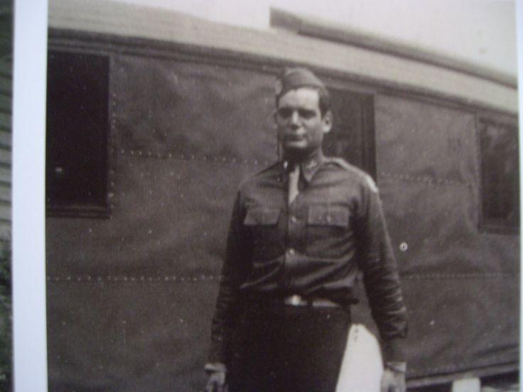 Lewis Nixon (probably at Toccoa)
