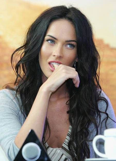 Megan Fox, natural style waves