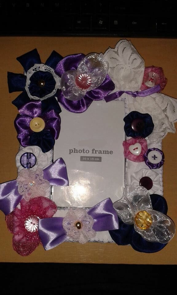 Fabric flower photo frame