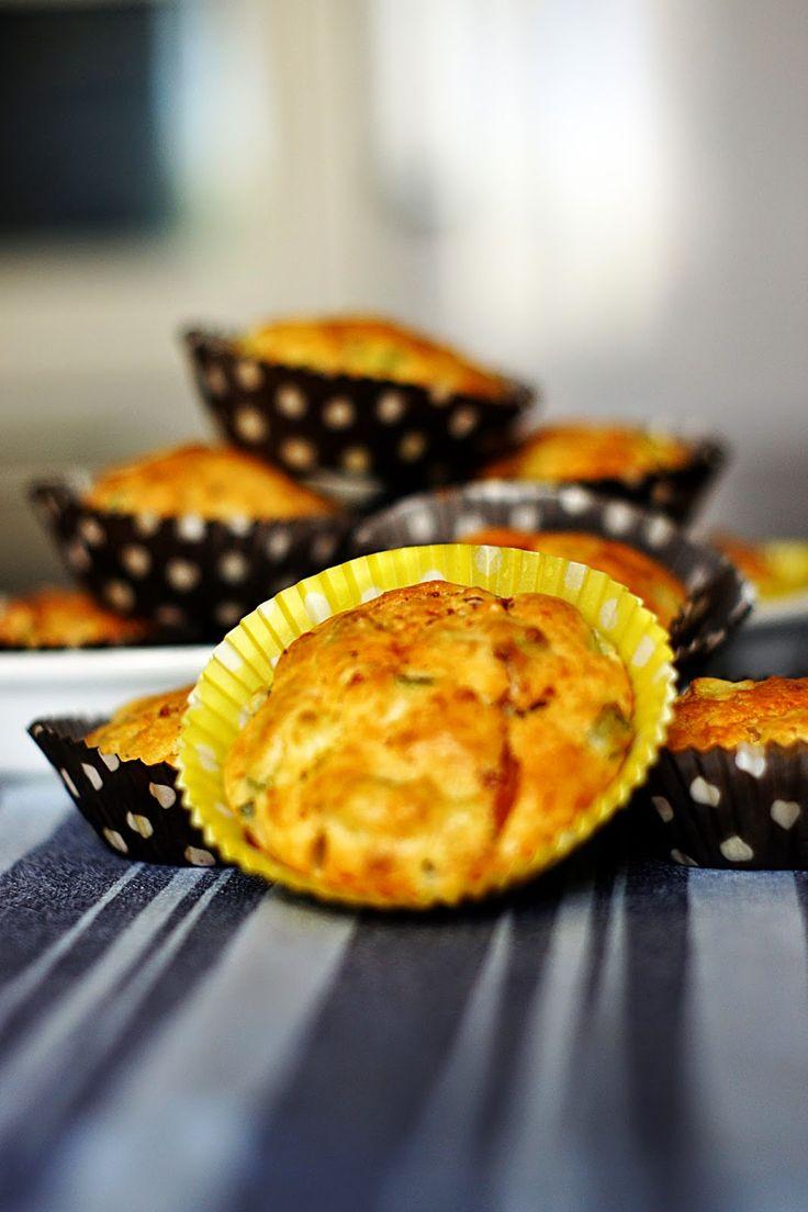 Matmuffins med zucchini och skinka. #Recept #Muffins #Zucchini