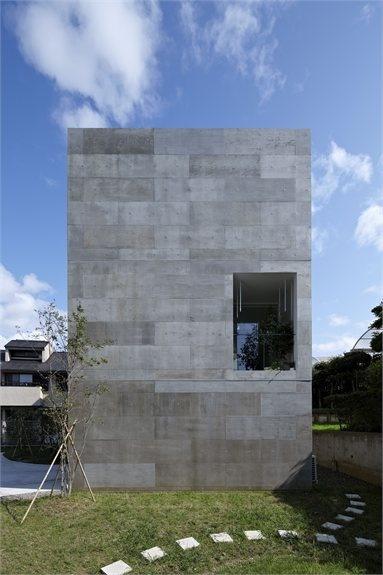 "NDA - ""PLANTER""  single family house - #Yokohama, Japan - 2012 - no.555 Architectural Design Office #architecture #japan #house #concrete"