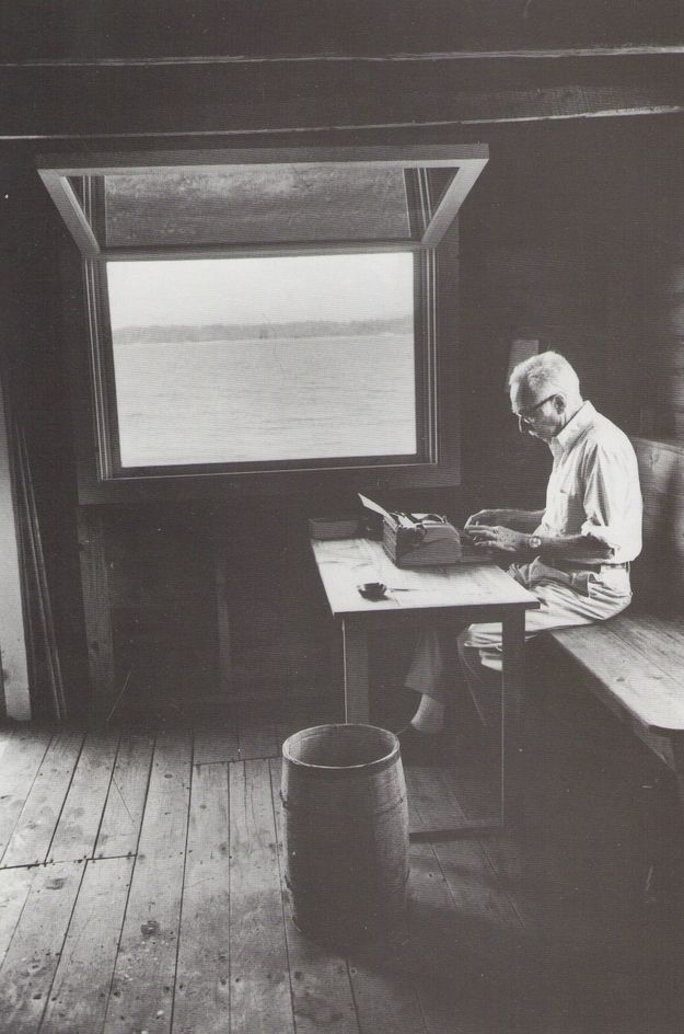 I really love the picture, and the ambiance..E.B. White, writer. | 40 Inspiring Workspaces Of The Famously Creative: